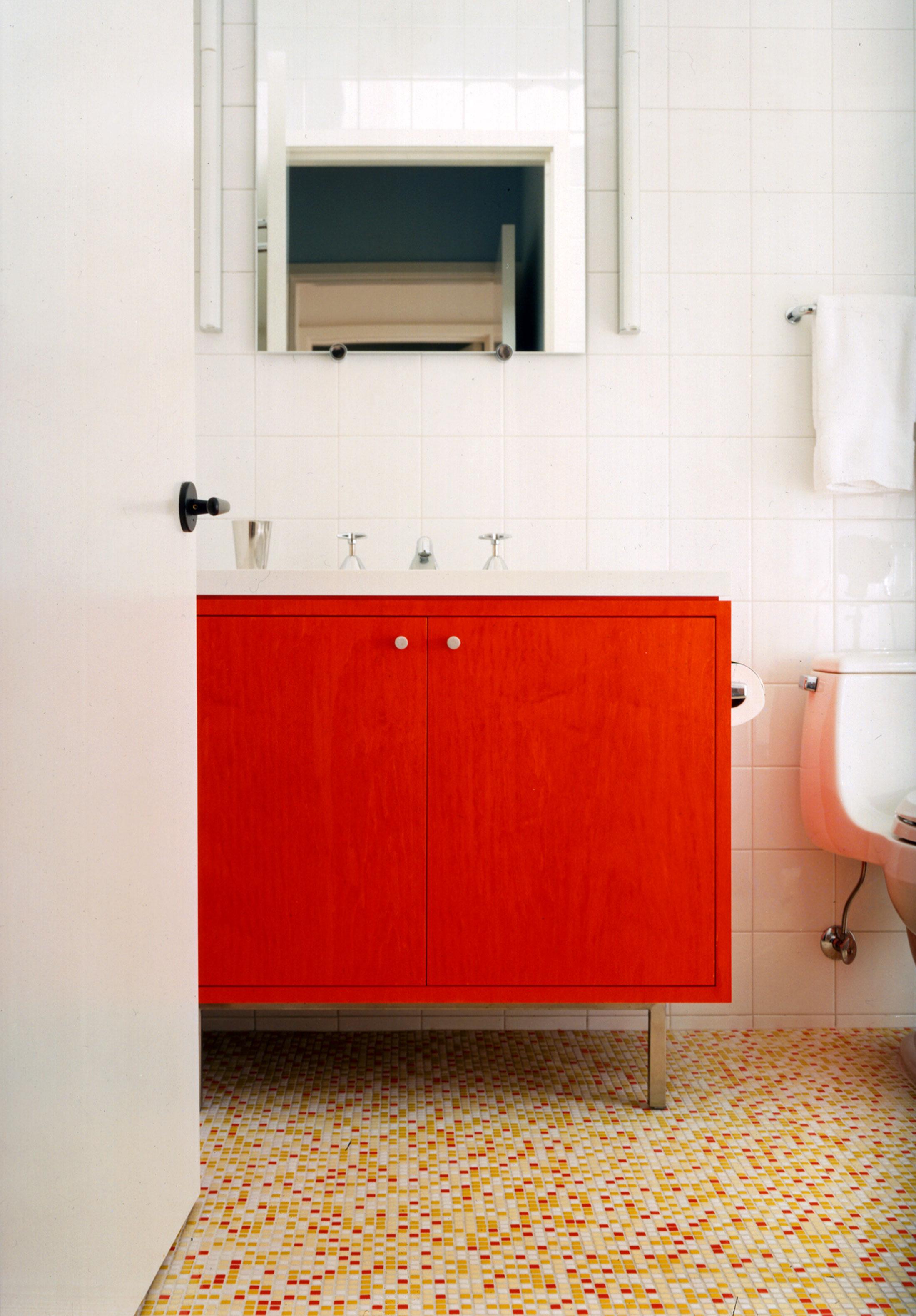 05-OrangeBath